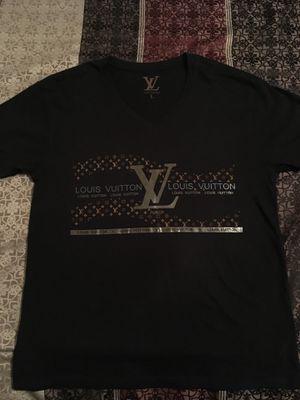 Mens shirt Louis Vuitton for Sale in Fresno, CA