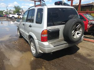 Suzuki grand Vitara 2004 for parts for Sale in Opa-locka, FL
