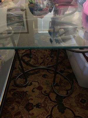 Thick Glass End Table with a Brass Metal Frame in Excellent Condition Asking $60. Obo Today for Sale in Boca Raton, FL