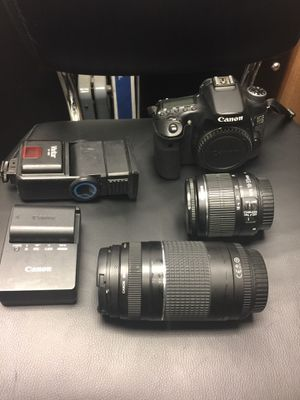 Cannon EOS 70D camera with accessories for Sale in Cleveland, OH