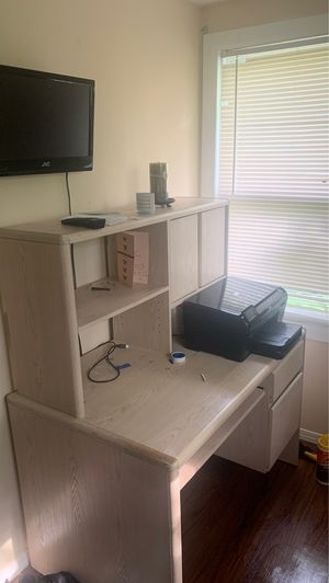 Office desk, with printer and tv for Sale in Florissant, MO