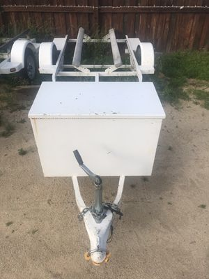 White single trailer for sale 2000 ZIEMAN BRAND TRAILER WOTH LARGE BOX ON THE FRONT . Clean trailer CLEAN TITLE IN HAND ✅$400✅ for Sale in Lake Elsinore, CA