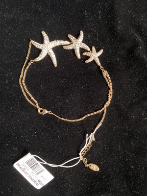 Bracelet with three starfish very cute item elegant for Sale in Miami, FL