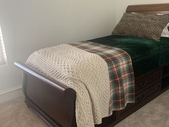 Twin/ Single Size Solid Cherry Sleigh Bed With Built In Storage for Sale in Denver,  CO