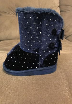 Toddler snow boots size 4c for Sale in Tampa, FL