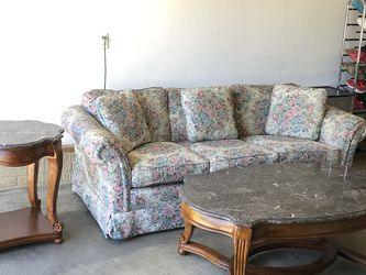 Couch And Coffee Tables for Sale in Cuyahoga Falls,  OH
