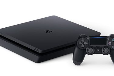 PS4 Slim 1TB Rarely used!! for Sale in Cape Coral,  FL