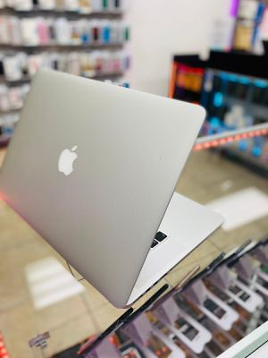 MacBook pro 15 inch i-7 256 gig 16 RAM for Sale in BVL, FL