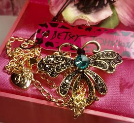 Betsey Johnson Emerald Gem Insect Brooch Necklace Antique Bronze Finish 18' Chain Adjustable New for Sale in Macedonia,  OH