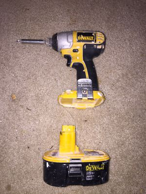 Dewalt impact driver 18v battery for Sale in Fort Washington, MD