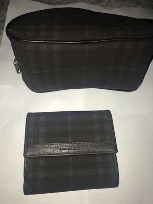 Vintage Burberry wallet & make up bag for Sale in North Las Vegas, NV