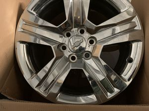 2018 Chevy Silverado chrome rims 18in for Sale in North Versailles, PA