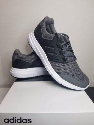 adidas men running shoe size 8, 8.5, 10, 10.5 for Sale in Garden Grove, CA