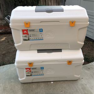 Cooler MaxCold White for Sale in Union City, CA