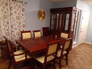 Dining room set with one leaf, six chairs and china hutch for Sale in Modesto, CA