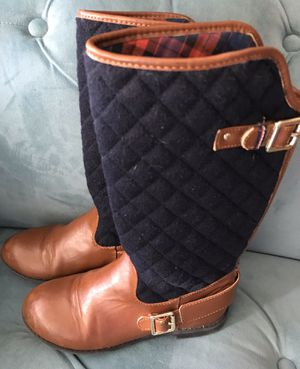 Beautiful Tommy Hilfiger Girls Andrea Quilted Riding Peacoat/Cognac Boots Girl Size 2 for Sale in Alexandria, VA