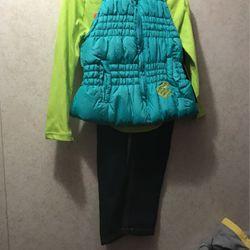 Little Girls 3 Piece Rocawear Set Size 2t for Sale in Camden,  AL