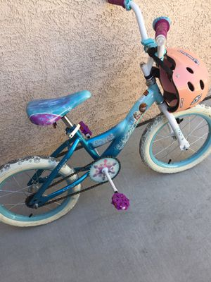16 inch Frozen bicycle in perfect condition, comes with a pink helmet for Sale in Henderson, NV
