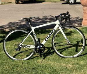 GIANT TCR ADAVANCED- carbon road bike for Sale in Tolleson, AZ