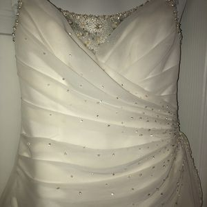 Wedding Dress From David's Bridal Store for Sale in Rockford, IL