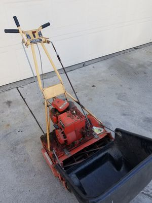 McLane Lawnmower for Sale in Inglewood, CA