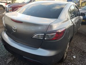 Mazda 3 for part out 2010 for Sale in Opa-locka, FL
