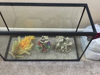 Fish Tank With Gravel And Lots Of Plastic Plants And Props for Sale in Chula Vista,  CA