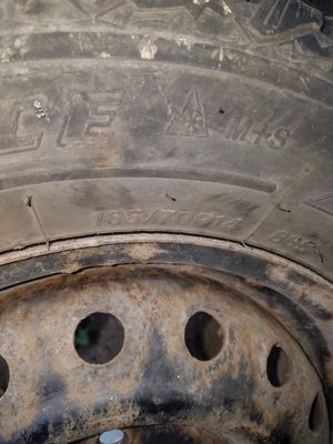 14inc studded tires for Sale in Columbus, OH