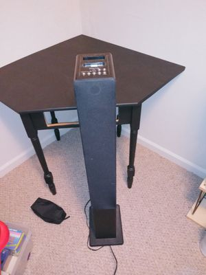 Standing speaker for Sale in Henry, IL