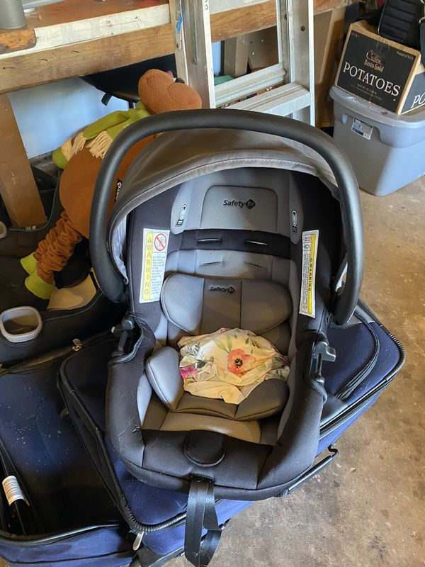 Car seat never used