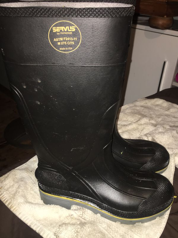 Boots for water