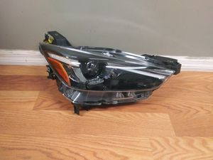 2016-2018 MAZDA CX3 LED Headlight Right Passenger Side OEM Used for Sale in Wilmington, CA