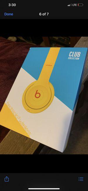 Beats solo 3 wireless for Sale in Merced, CA