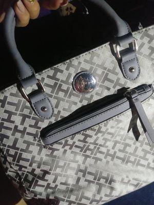 Tommy Hilfiger Handbag for Sale in Salinas, CA