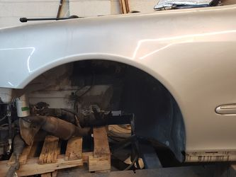Left Fender For Mercedes S500 for Sale in Bellwood,  IL