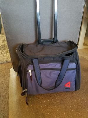 Duffle bag with wheels and handle for Sale in Fresno, CA