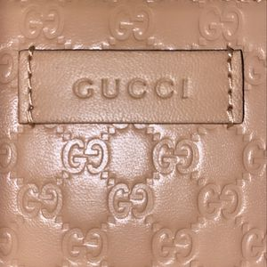NEW Gucci Leather Micro Zip Wallet for Sale in Tacoma, WA