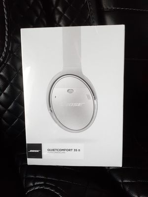 BOSE QC35 II Quiet Comfort Wireless Noise Cancelling Headphones set -NEW- for Sale in Seattle, WA
