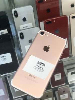 Rose Gold IPhone 7 128GB (CARRIER UNLOCKED) for Sale in Rancho Cordova, CA