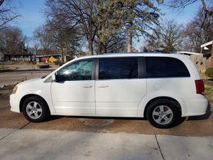 Hi I'm selling my 2011 dodge grand caravan for Sale in Bridgeton, MO