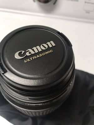 Canon lens macro lens ef 100 mm for Sale in Daly City, CA