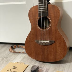 Donner Ukulele With Bundle Kit & Extra accessories for Sale in Bellingham, WA