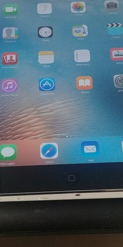Ipad mini 2 gen tablet black 16gb for Sale in Orlando,  FL