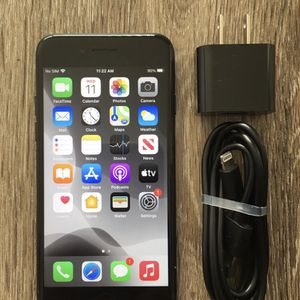 🎄✨Like New!~ Cricket or At&T iPhone 7 ~ 32gig for Sale in Newport Beach, CA