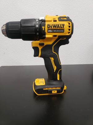 D392) Dewalt 20v Cordless hammer drill / drill driver tool only for Sale in Riverside, CA