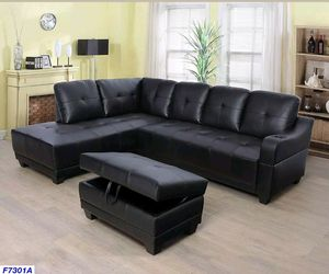 Black faux leather Sectional & Ottoman for Sale in Puyallup, WA