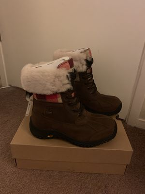 100% Authentic Brand New in Box UGG Adirondack II Plaid Boots / Women size 7 / Color: STT Stout Brown for Sale in Lafayette, CA