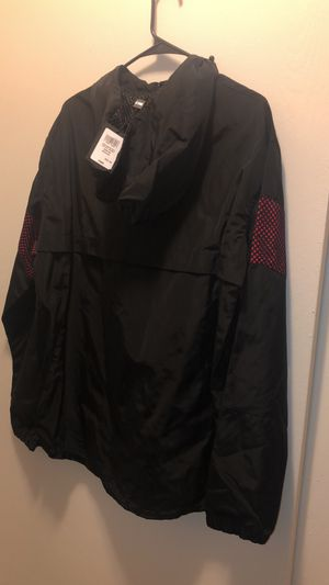 CSG BLACK/RED FUTURE JACKET size (M) for Sale in Lakewood, WA