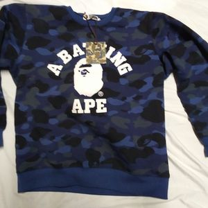 Mens Bape Pullover Sweatshirt XL for Sale in Meriden, CT