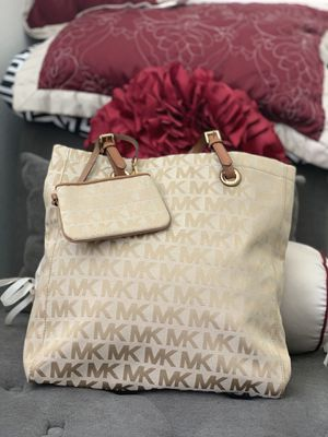 Michael Kors brand new purse with small wallet/ Betsy Johnson pouch for Sale in Chula Vista, CA